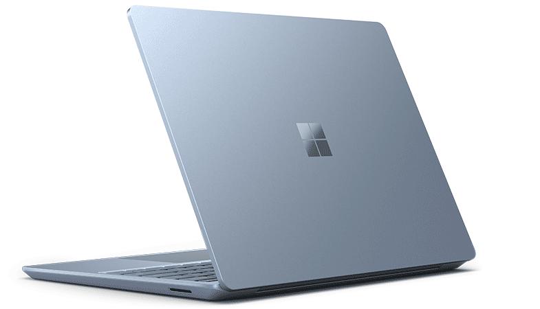 Der Surface Laptop Go von hinten in Eisblau