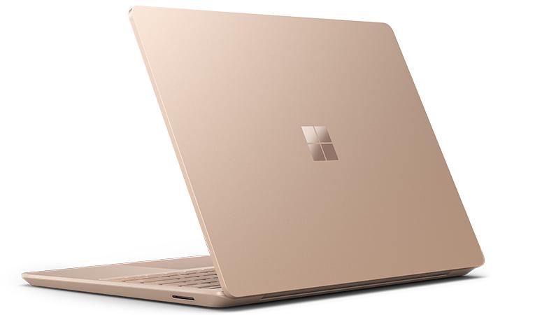 Der Surface Laptop Go von hinten in Sandstein