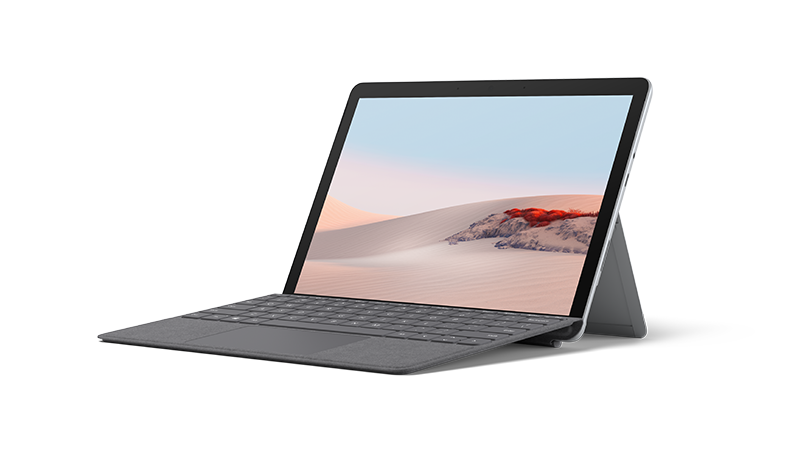 Surface Go 2 in frontaler Ansicht im Laptop-Modus mit Signature Type Cover